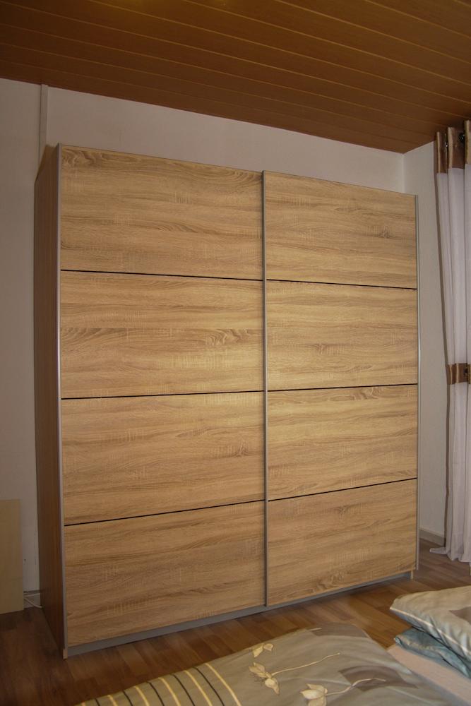Schrank - Schlafzimmer 1